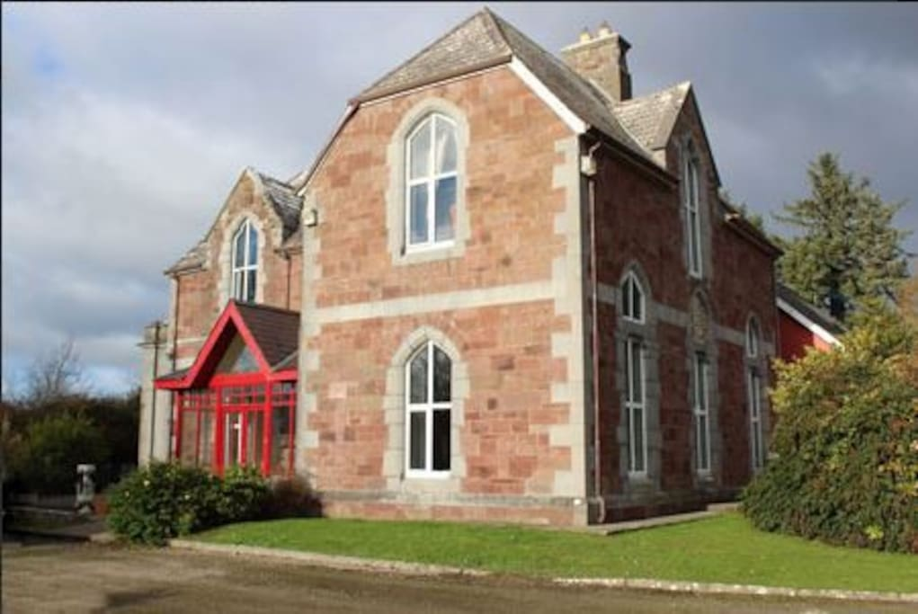 Glenduff Manor, our 19th Century period residence, was built in 1846 and renovated in 2016. Glenduff or Gleann-dubh (Irish spelling) means the black valley. We are in the Townland of Kielduff or Choill-dubh (Irish spelling), which means the black wood.