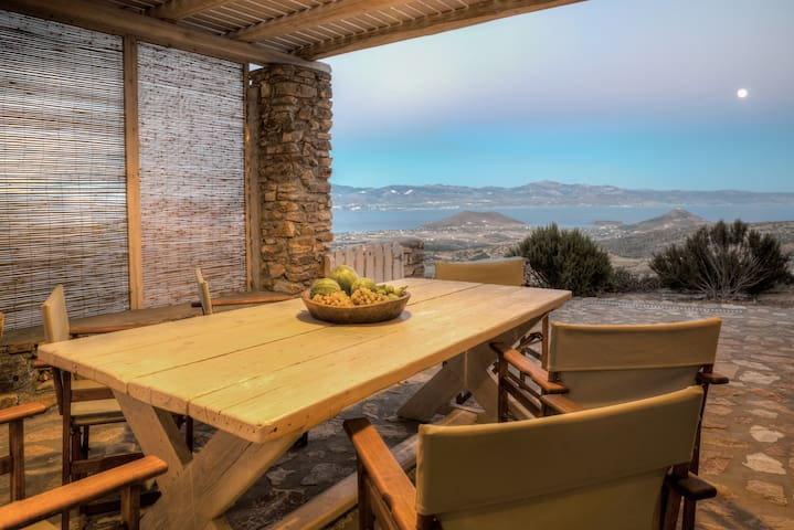 Outdoor dining room with BBQ