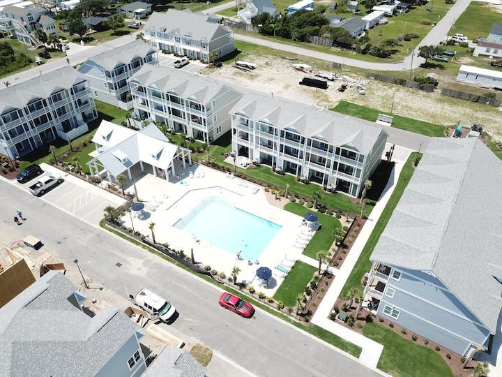 "Welcome to ""C-Side"" beach house, w/Elevator, Pool"