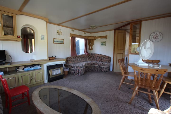 Glen Escapes Comrie Farm Stay - Comrie - Hytte