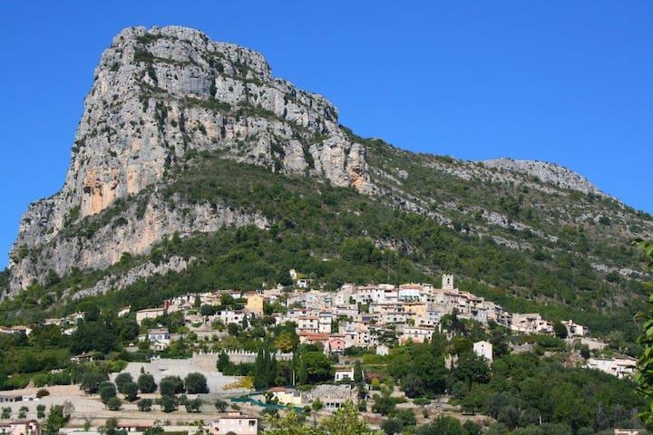 petite maison entre Mer et Montagne - เวนซ์ - บ้าน