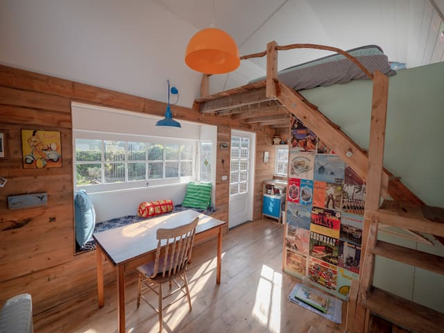 Banksia Cottage close to the beach