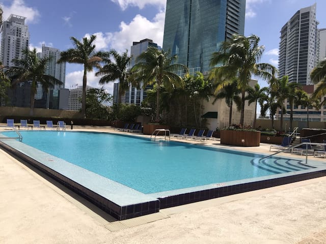 Luxury Apartment with Superb View in Brickell - Miami - Apartment