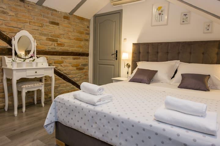 Xiv Century rooms- Comfort double room