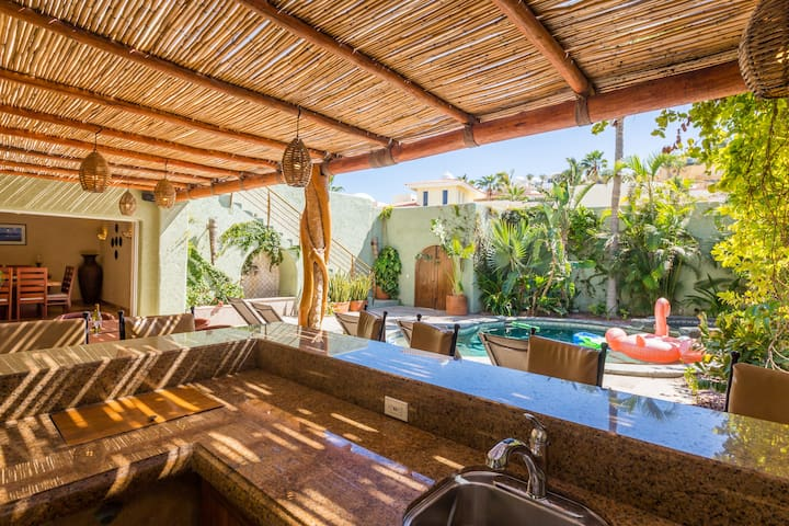 Villa Luna Nueva -Private Lush Retreat in Pedregal - Cabo San Lucas - House