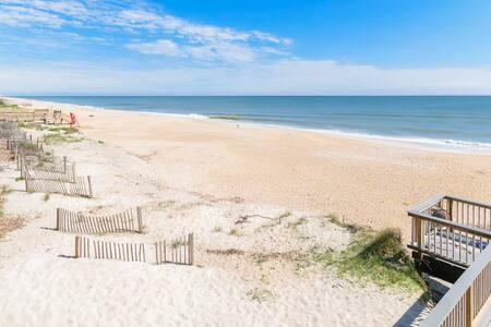 Ground Floor Convenient Gated condo Beach Sawgrass