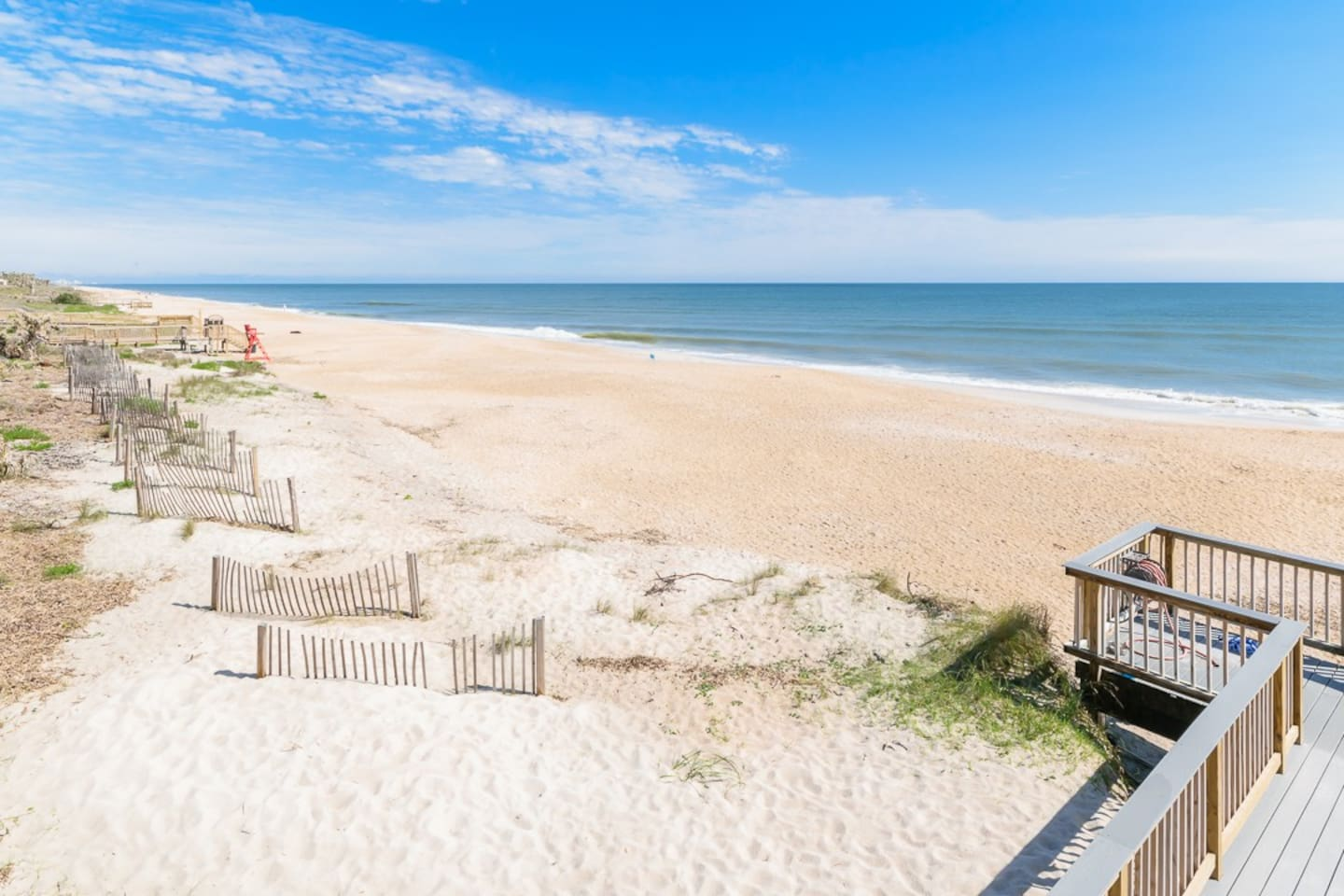 The beach is just half a block away from our charming ground floor, studio condo at Summer Place 652! - With a ground floor patio set among tropical foliage, 2 hidden Murphy beds, and all the location of Ponte Vedra you could ask for, it's your ideal vacation destination!