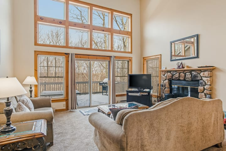 Spacious Family Retreat W/ Game Room - Close to all the Action of Camelback!