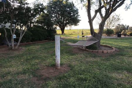 Farm Retreat Close to Copper Breaks State Park