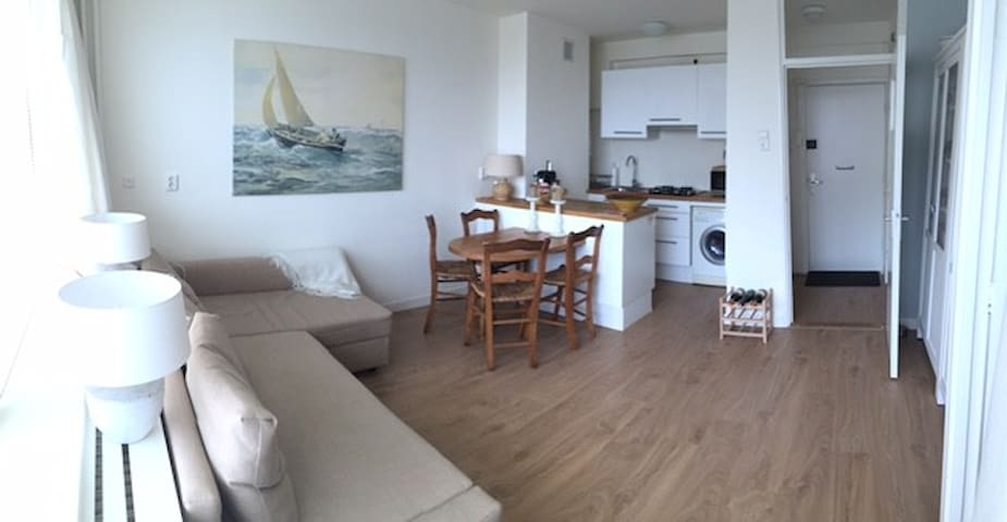 Apartment @the Beach! 50 meters from the beach!