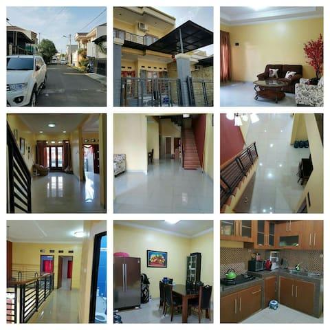 Spacy room with modern style - Cibinong - Bogor - Haus