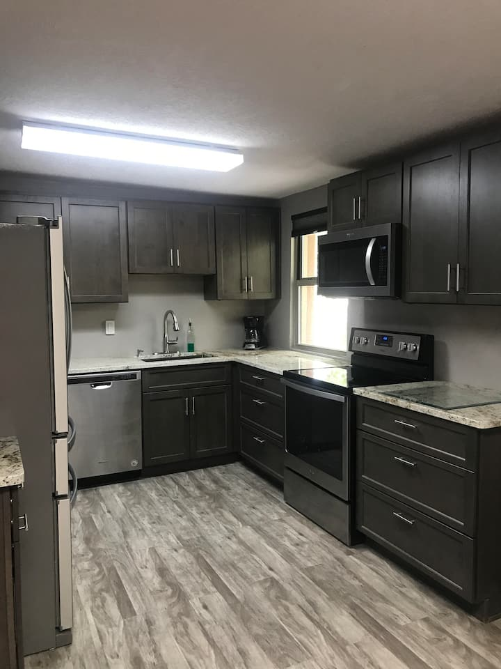 Renovated rental with gorgeous canyon views (B)