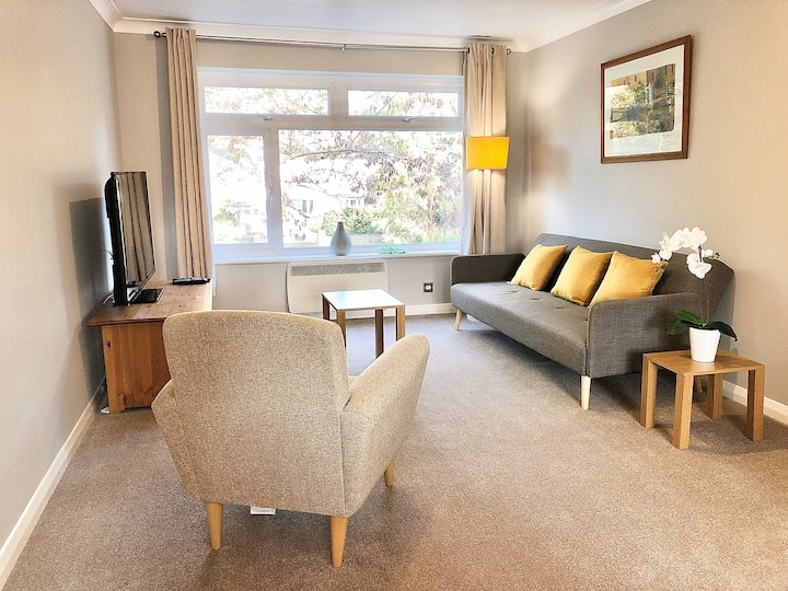 Perfect 2 bed Surbiton Apt /14 mins to Waterloo