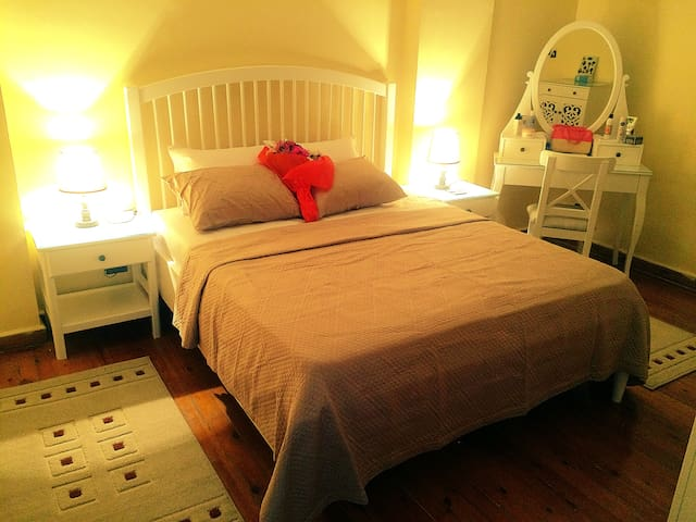 Sun-let,Cozy,clean private room located in Maadi