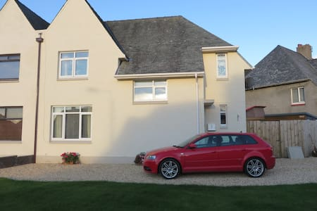 Beauty on a budget! Ayr - Impressive 3 bed house. - Ayr