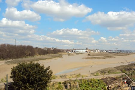 Double room overlooking River Adur with Twin room - Huis