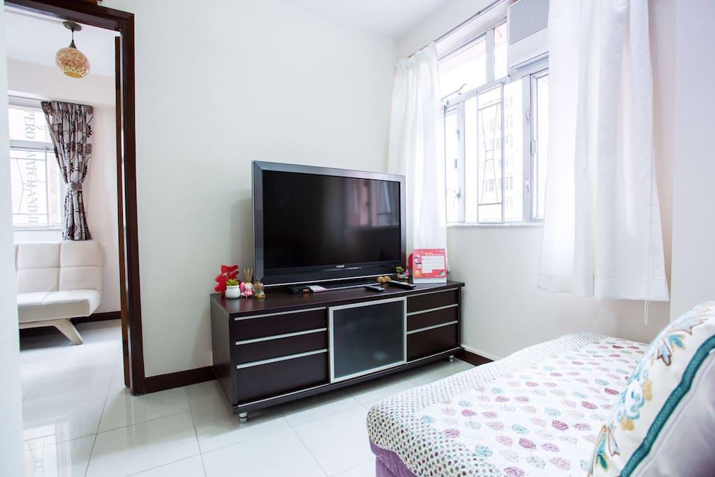 48寸大電視打做迷你影院~ 48-inch TV to create mini-theater ~