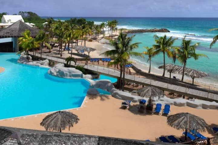 Studio avec piscine et accès plage au Manganao