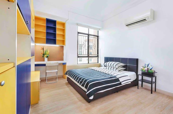 *B3 Apt Room With 2 Queen beds Near City/MRT