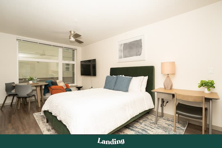 Landing | Modern Apartment with Amazing Amenities (ID3313)