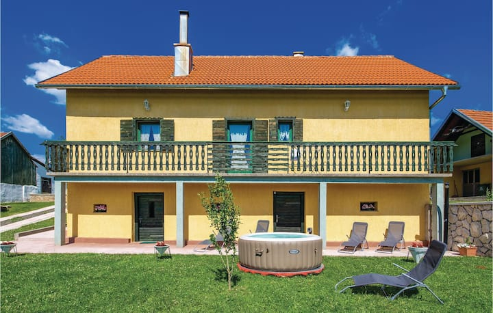 Awesome home in Otocac with WiFi, 2 Bedrooms and Jacuzzi