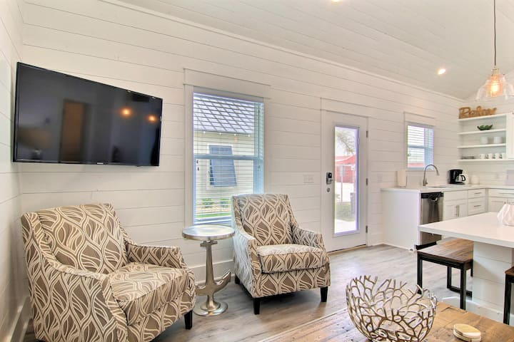 BRAND NEW: FREE Golf Cart, Walking Distance to EVERYTHING, HEATED POOL