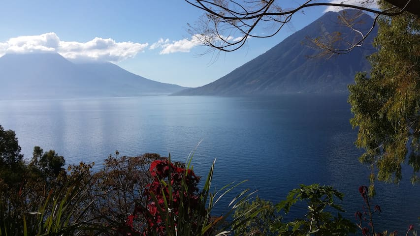 Lake access - Great views - Green and quiet place - San Marcos la Laguna - House