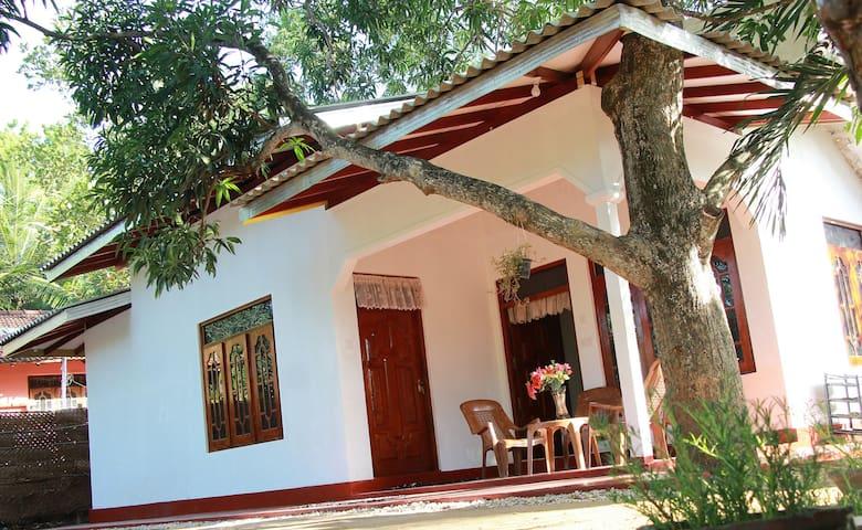 Shehara Homestay - Hambantota - 一軒家