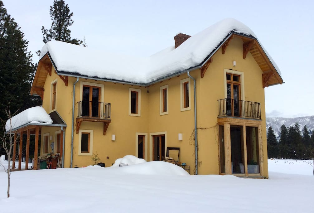 Chalet from the south holding winter snow