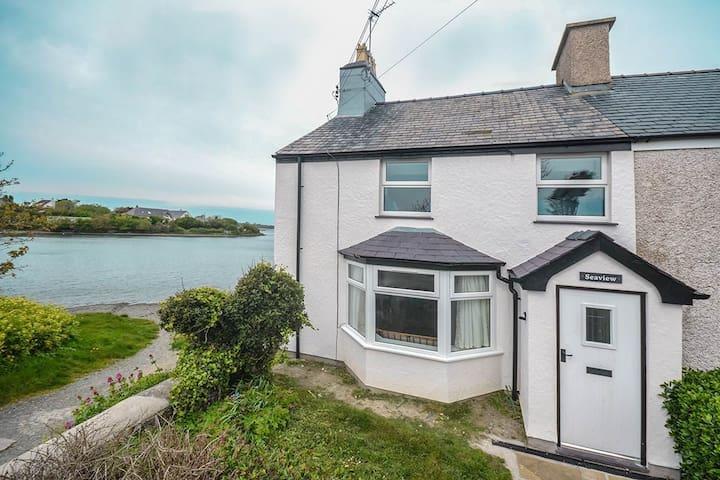 Seaview - Anglesey Coastal Path