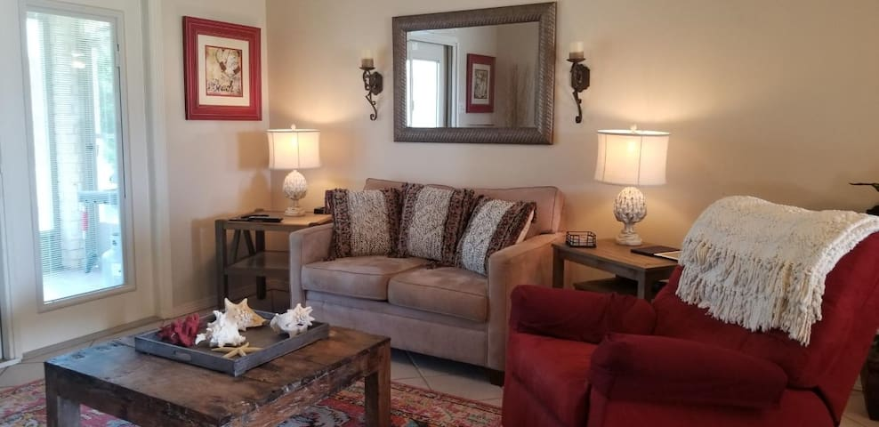 Beautiful Casita Located at the SPI Golf Course~1 Bayhill