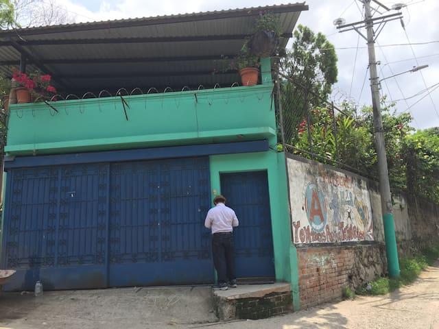 The Green House/ La Casa Verde - San Salvador