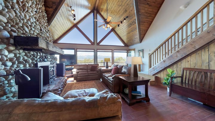 Skyview Serenity: private home, stunning view