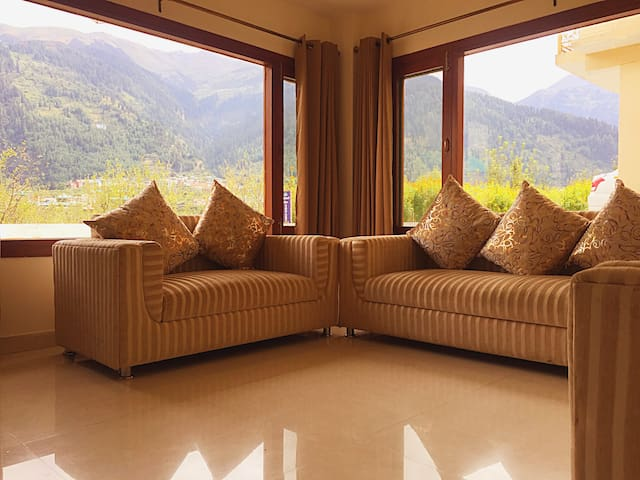 Romance with mountains- Romantic Stay in Manali