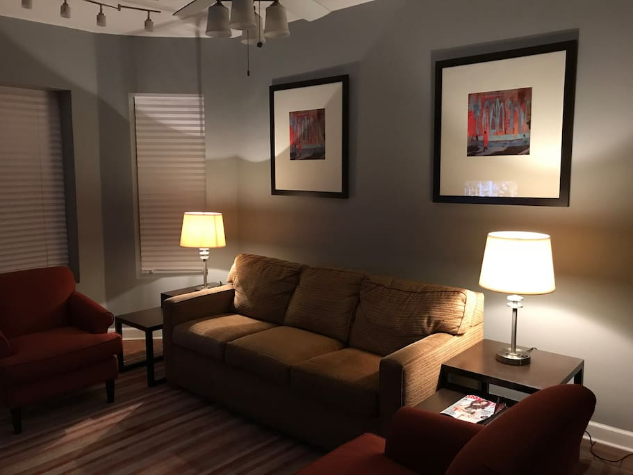Cozy 2 Bedroom Apartment Near Chicago Airport Apartments For Rent In Chicago Illinois United