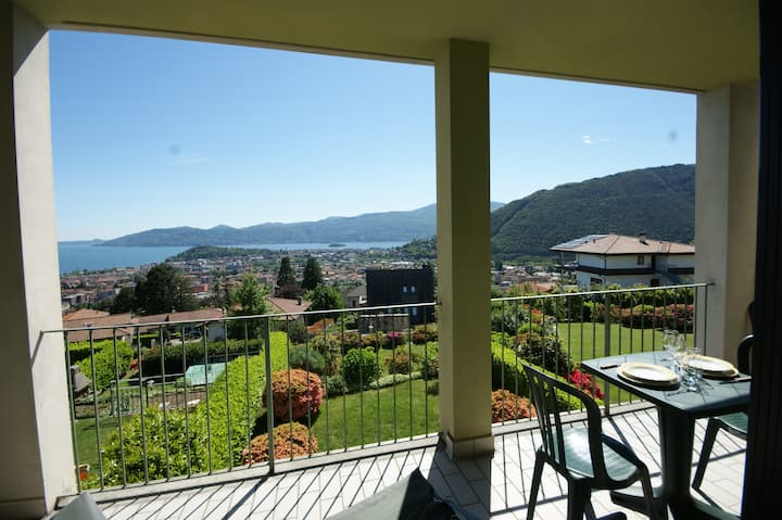 Cielo d'Italia lovely studio with lake view