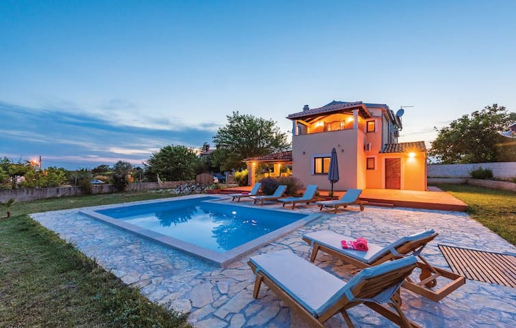 Lovely Villa Ana with a nice garden and pool
