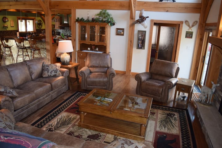 The Lodge at the Diamond B Ranch in Hocking Hills