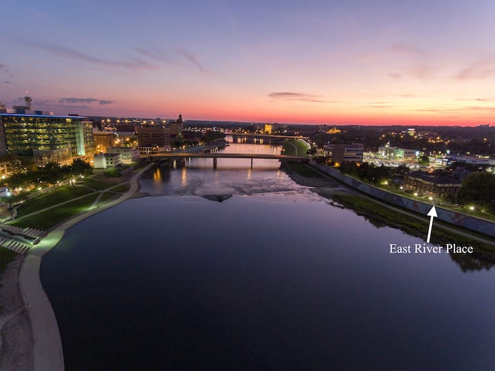 Dayton Waterfront Studio with Panoramic CityScape