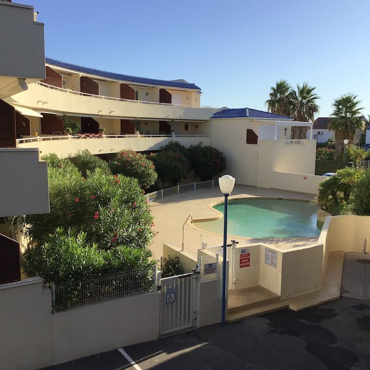 Valras-plage  Appartement vue  sur la piscine