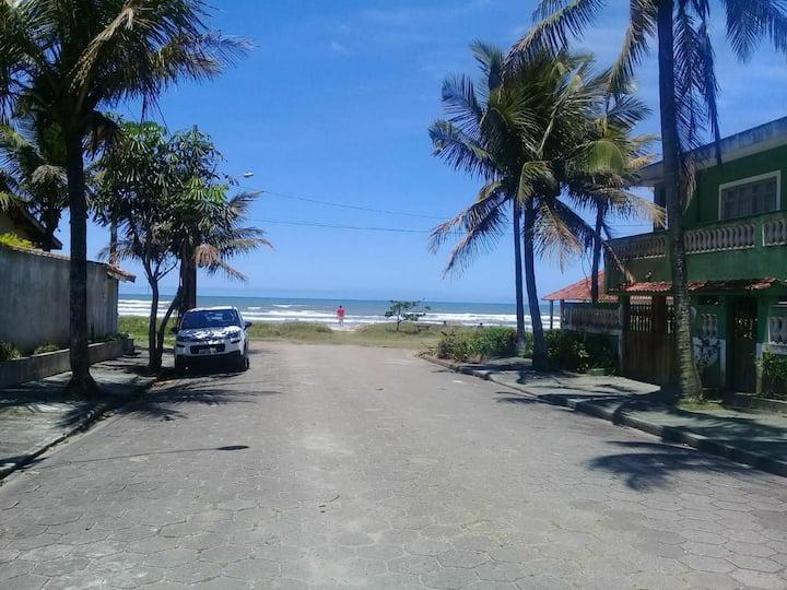 Casa na praia pé na areia