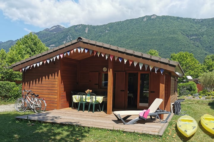 Love Lake Annecy Cabin