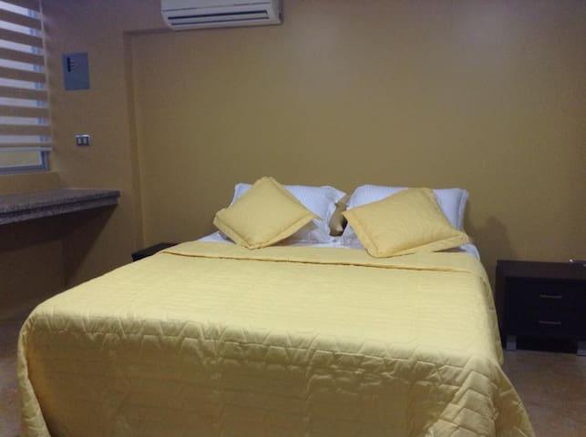 Elegante suite ubicada en el centro de Machala - Machala - Lejlighed