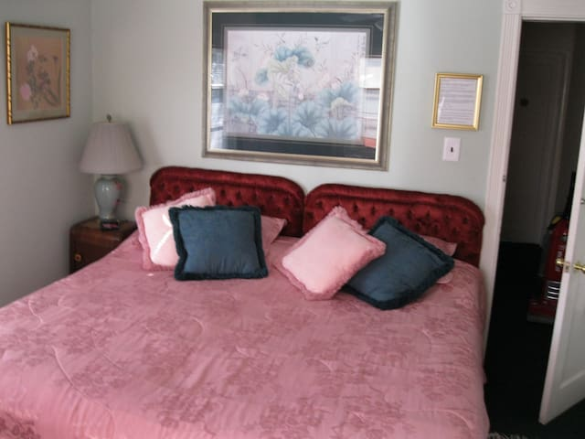 King Bed can be made into two twin beds upon request
