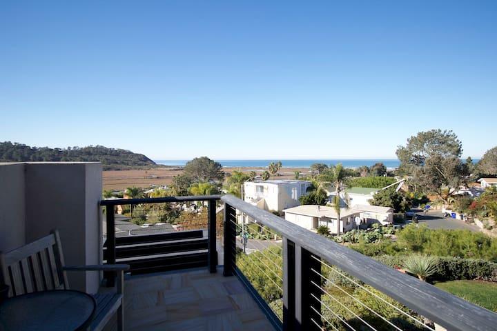 Del Mar Ocean View Modern 4 BR Smart-Home