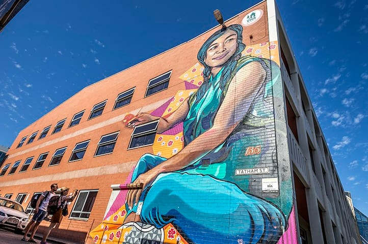 Adelaide Central YHA - Exterior - Three Storey Mural