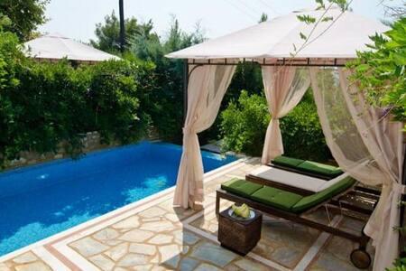 3 BD, Villa, Sea view, Private pool in Akti Elias - Villa