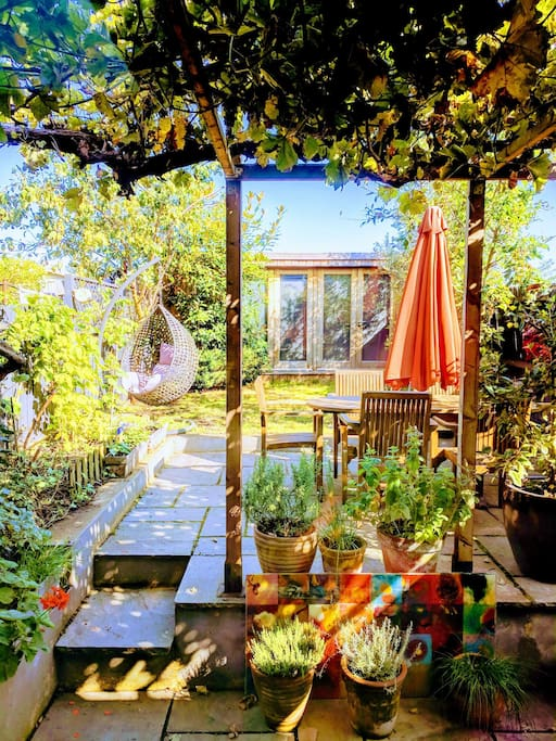 A quiet self contained cabin in a private garden for Self contained cabin