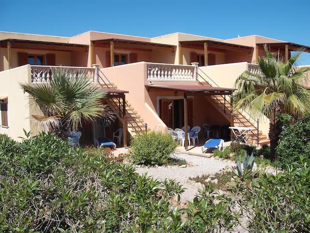 Kleine Apartmentanlage nahe 'es Trenc' Strand - Campos - Apartamento