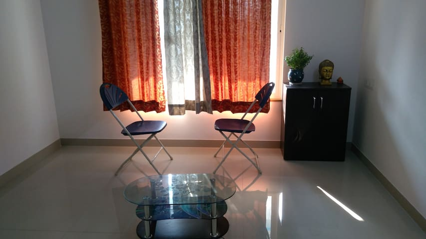 Peaceful&quiet 1Bedroom with attd bathroom&balcony